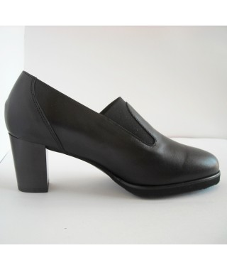 Calzatura da donna nera con tacco F.LLI TOMASI